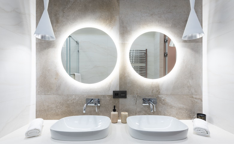 The Best Bathroom Features for Couples